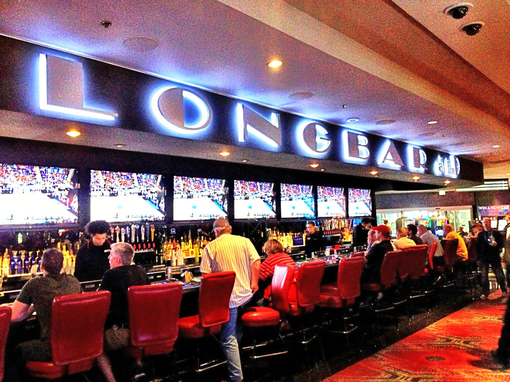 Longbar at The D