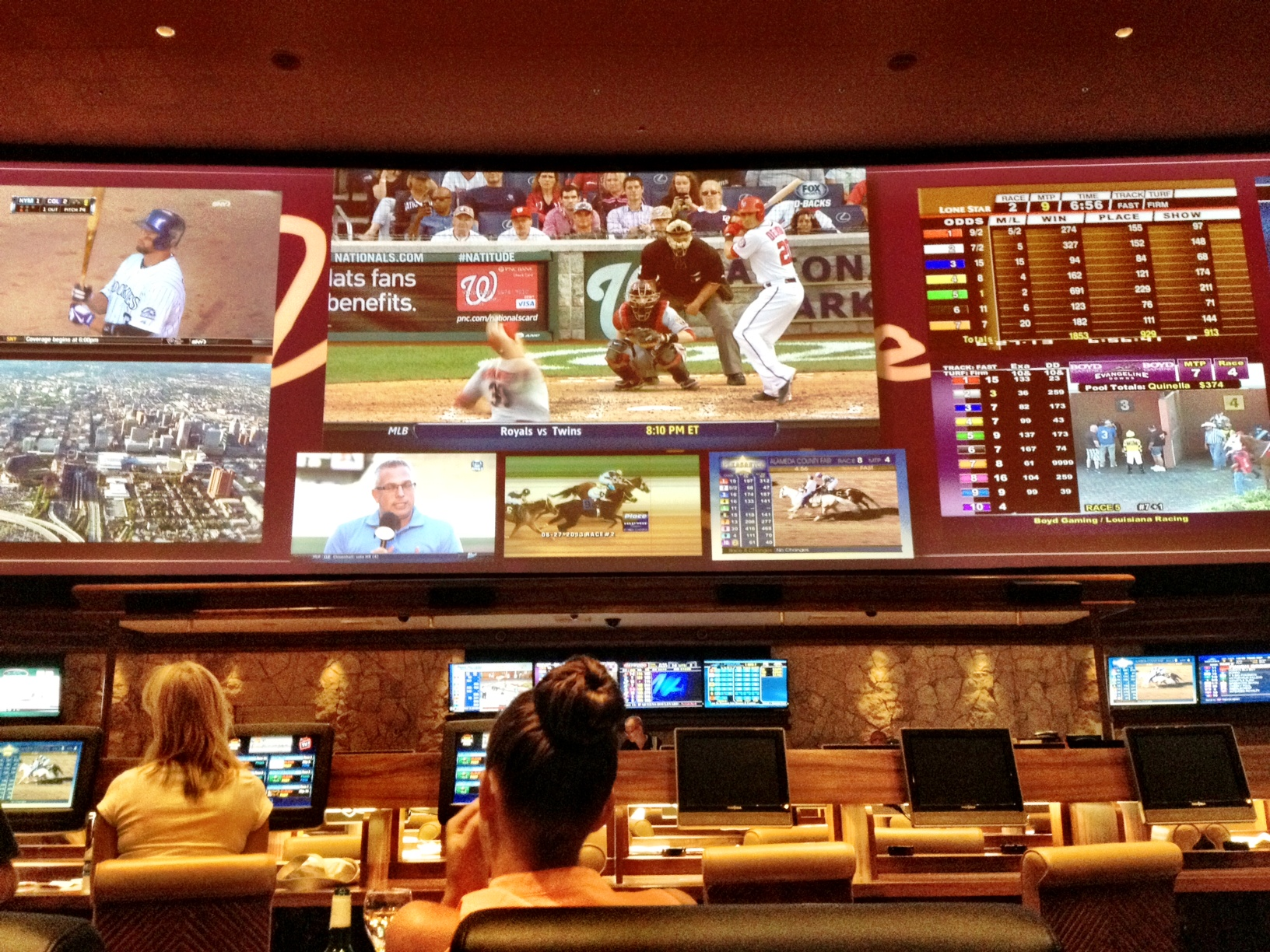 las vegas sports book parlay odds