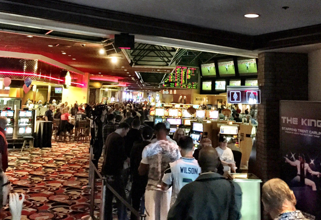 Westgate Super Book Line for Super Bowl Betting was Literally Out the Door