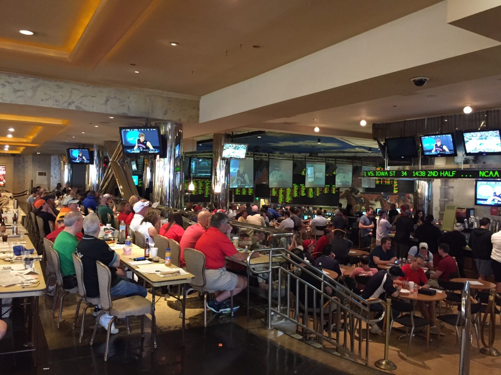 Nice Crowd for March Madness in Vegas at Bally's