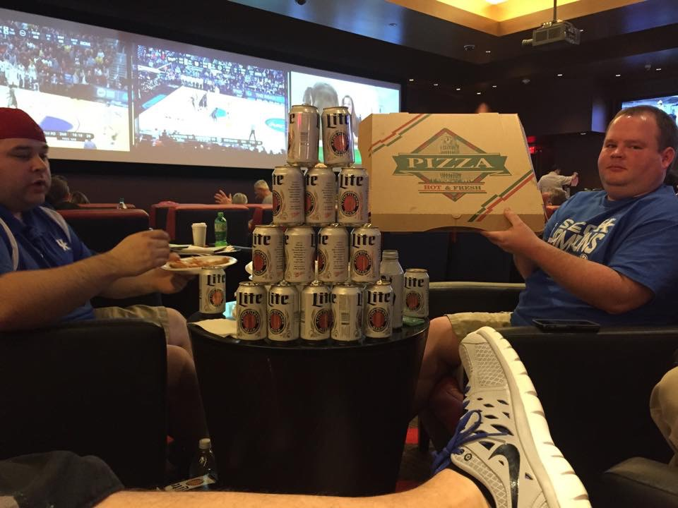 Some Happy Hoops Fans Found a Great Spot at the Linq Sports Book