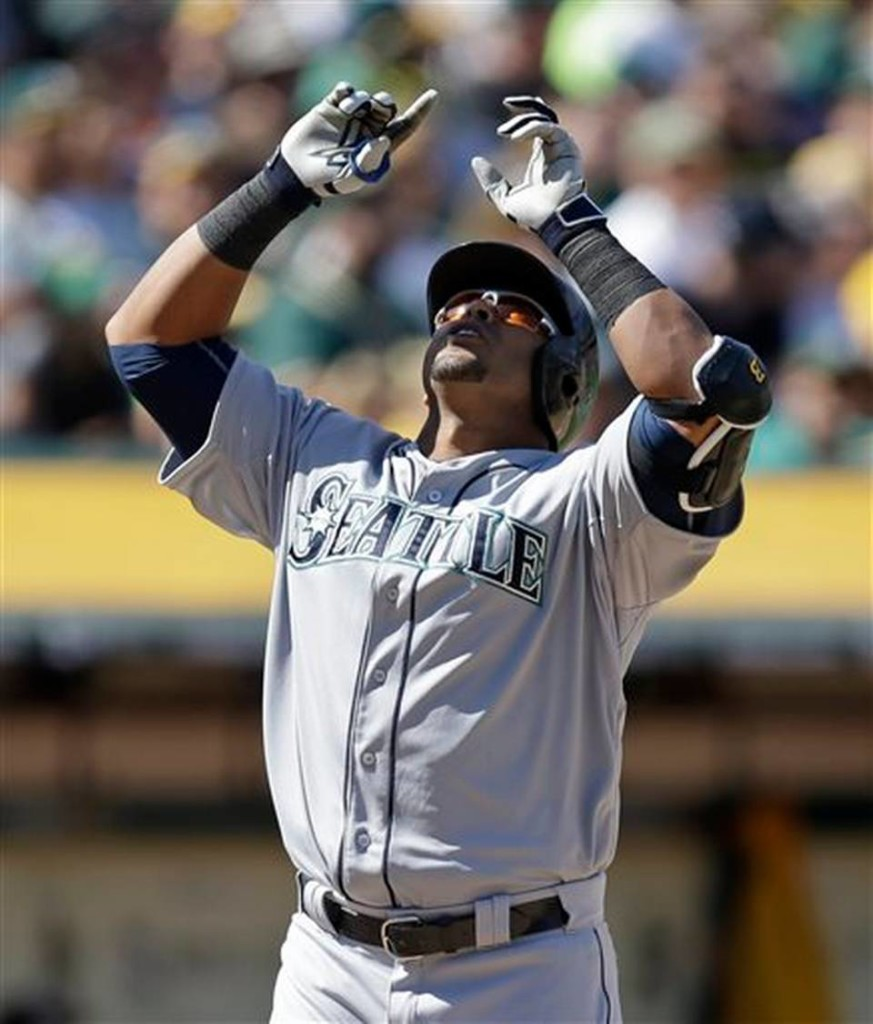 Nelson Cruz - Early MLB Home Run Leader in 2015