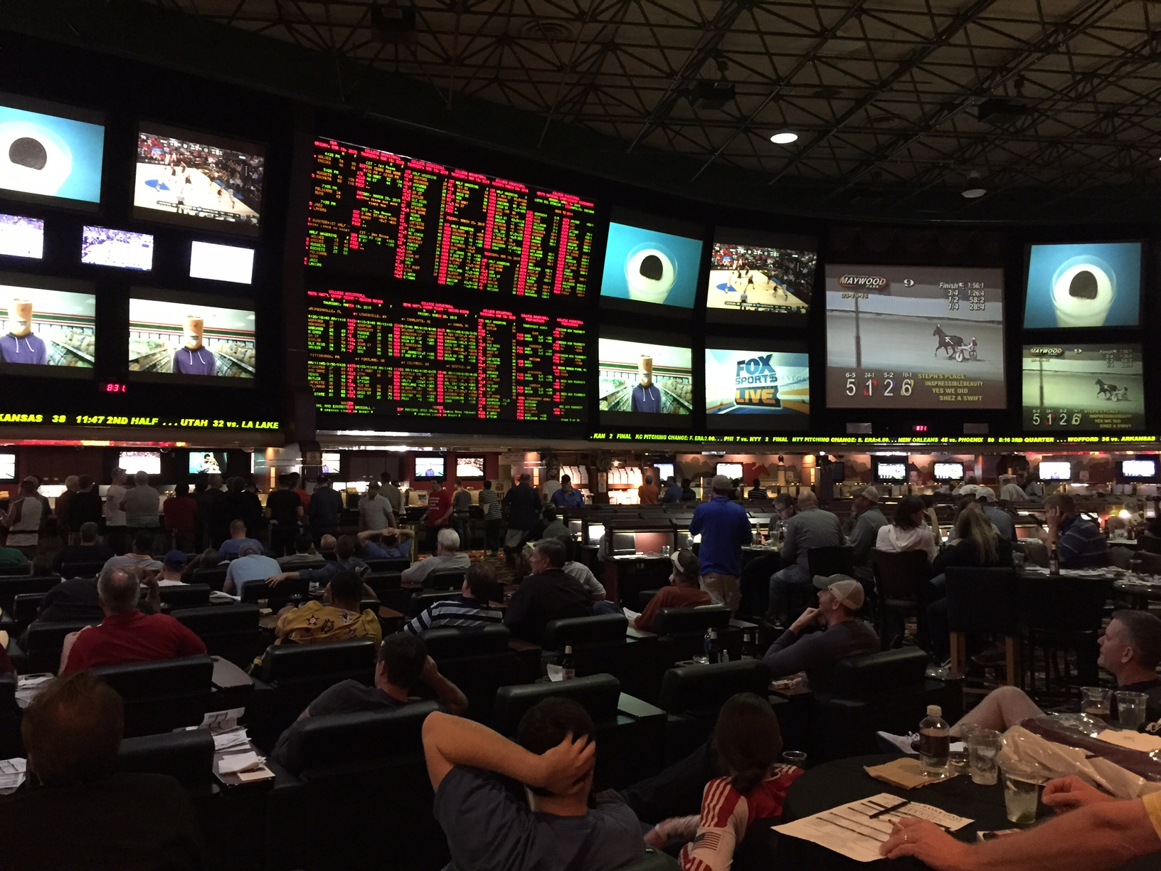 las vegas nfl point spreads parlay and picks