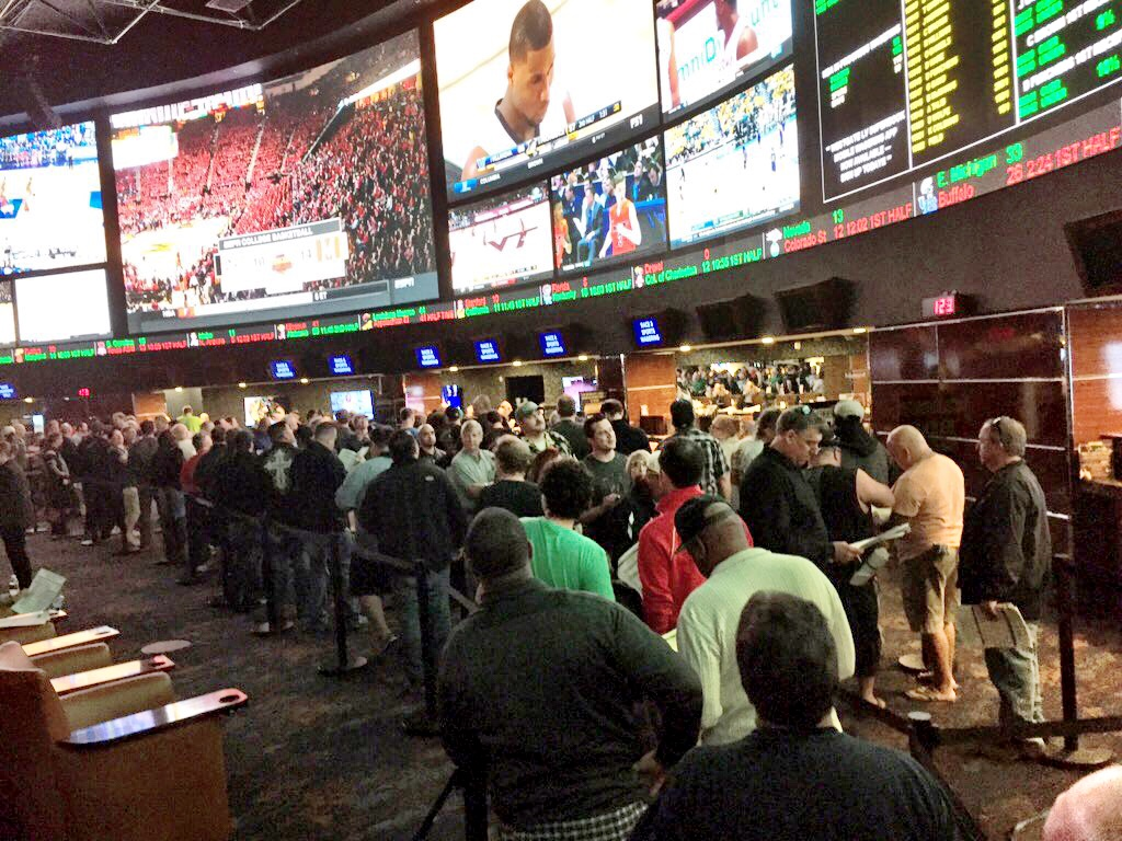 las vegas line on super bowl 51