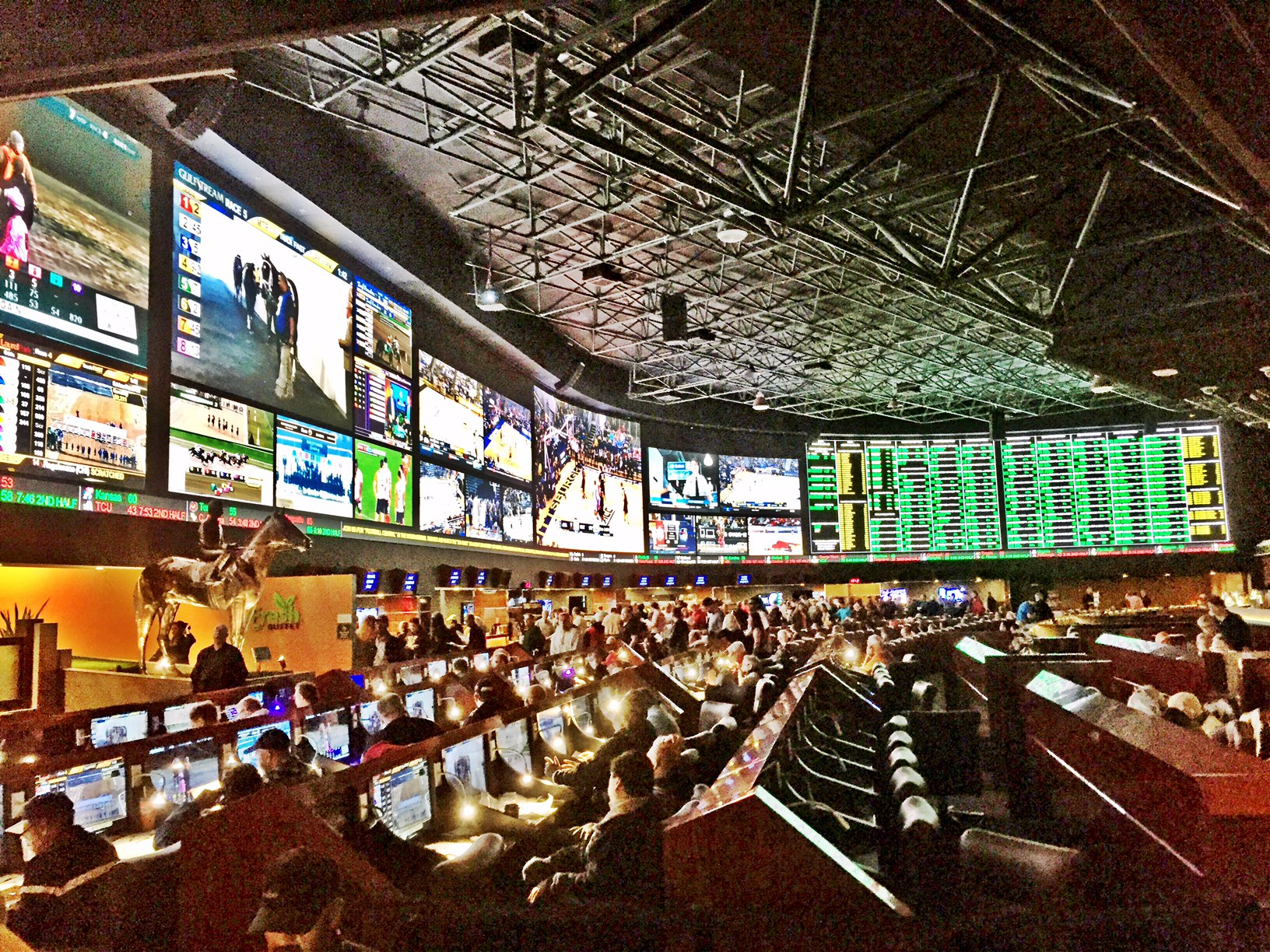 march madness favorites lvh sportsbook